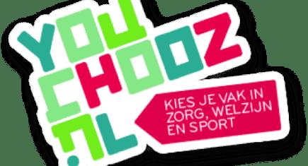 Het logo van YouChooz met de slogan 'kies je vak in zorg, welzijn en sport'